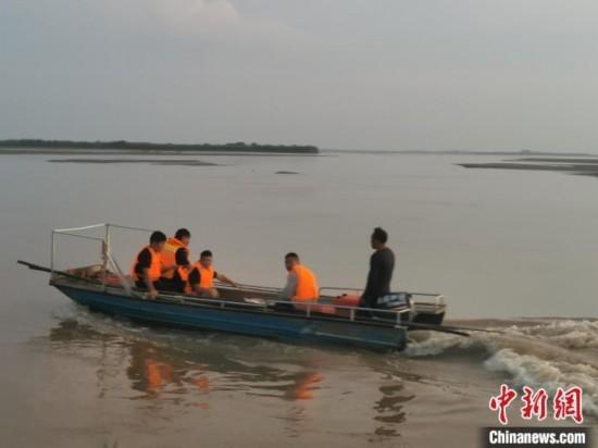 山西永济黄河滩6名学生落水失踪